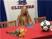 Shannon Gibbons Signs with Queens College Photo thumbnail77274