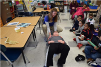 Verne W. Critz Students Celebrate Career Day photo 4 thumbnail109315