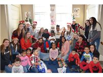 Bellport HS Athletes and Teachers Donate Toys to Head Start  thumbnail105356